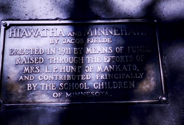 Minnehaha Park - Hiawatha and Minnehaha Plaque