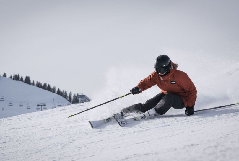 skiing holiday image