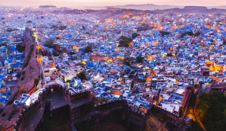 I rushed to the end of the fort to take a picture of the sunset, I was too late. I think about my home town, back in France in the Loire valley, over-there there is a castle as well, where I used to go to watch over the city at dusk. Jodhpur, India, 2014.