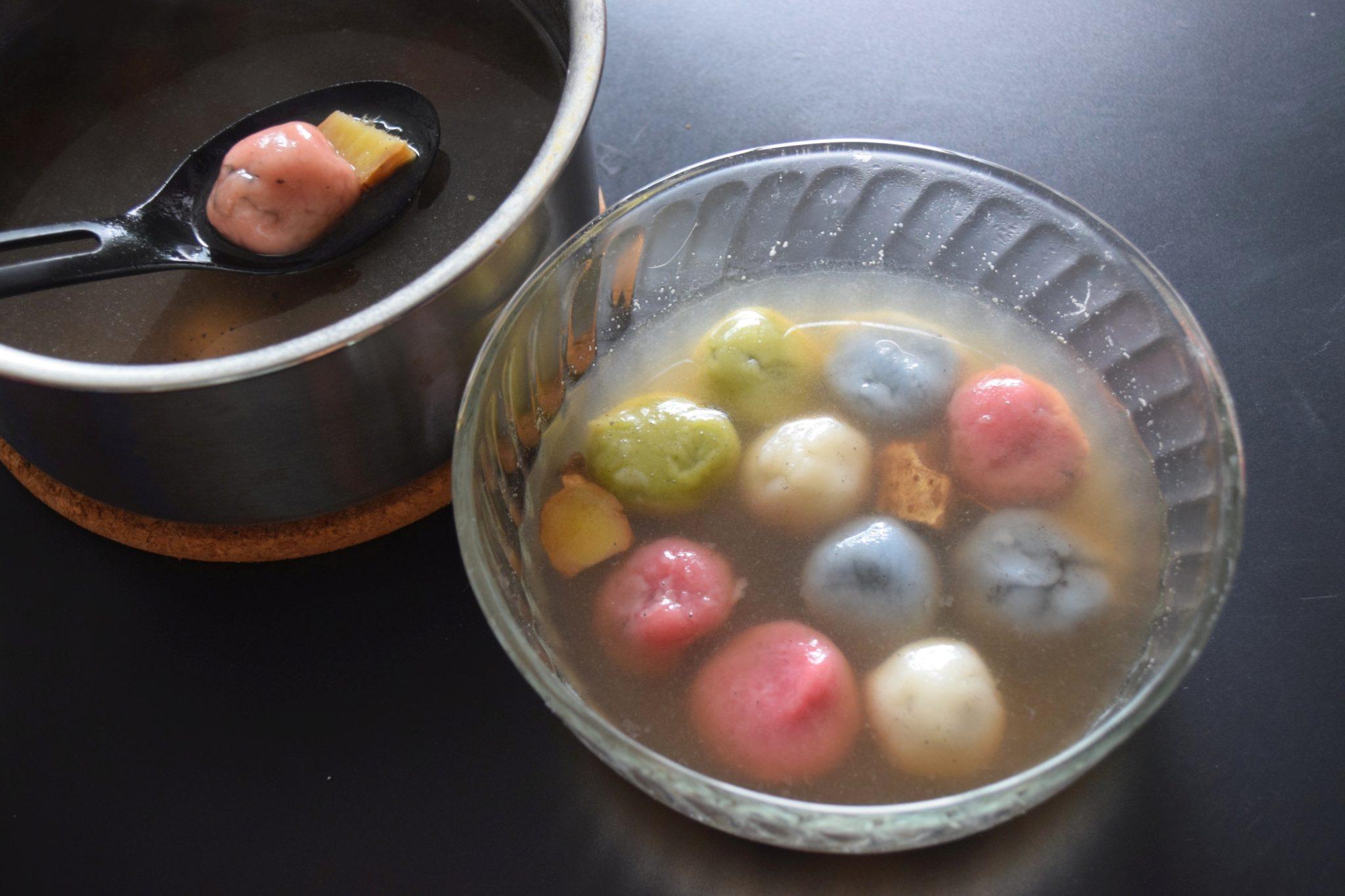 Tang Yuan (Glutinous Rice Balls with Sesame Paste Filling)