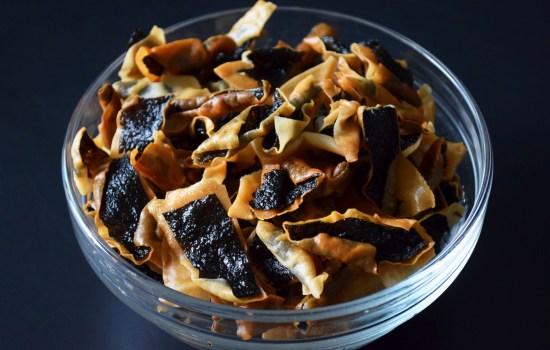 2-Ingredient Seaweed Crackers