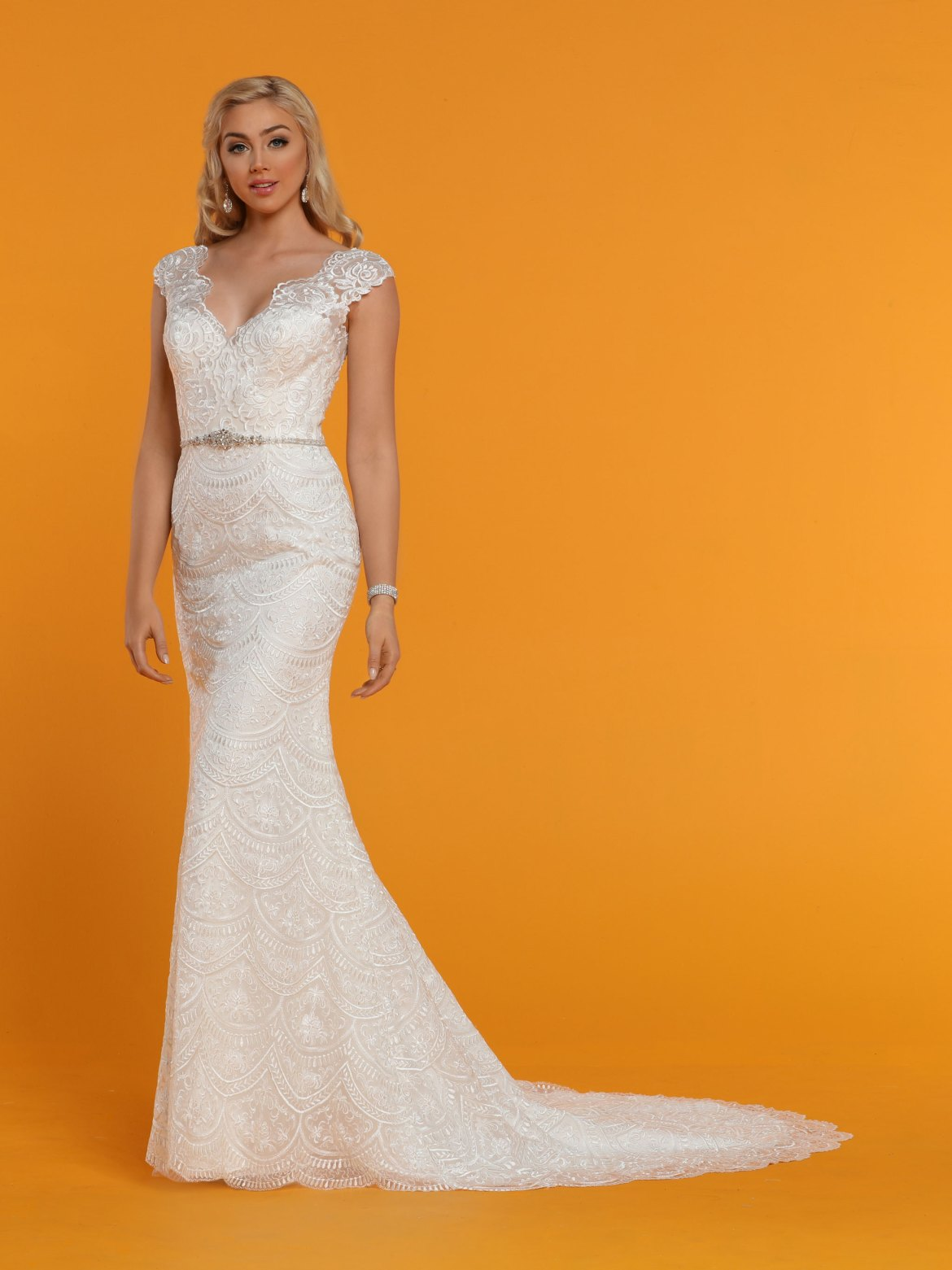 73e00c42c75 Stunning Wedding Dresses with Sleeves   Jackets - DaVinci Bridal Blog
