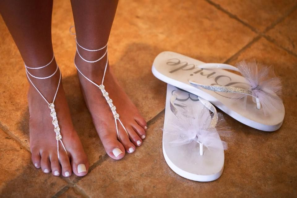 91ef46cd0935ec Elegant Barefoot Wedding Sandals  Delicate Singles look Sweet with Flip  Flops