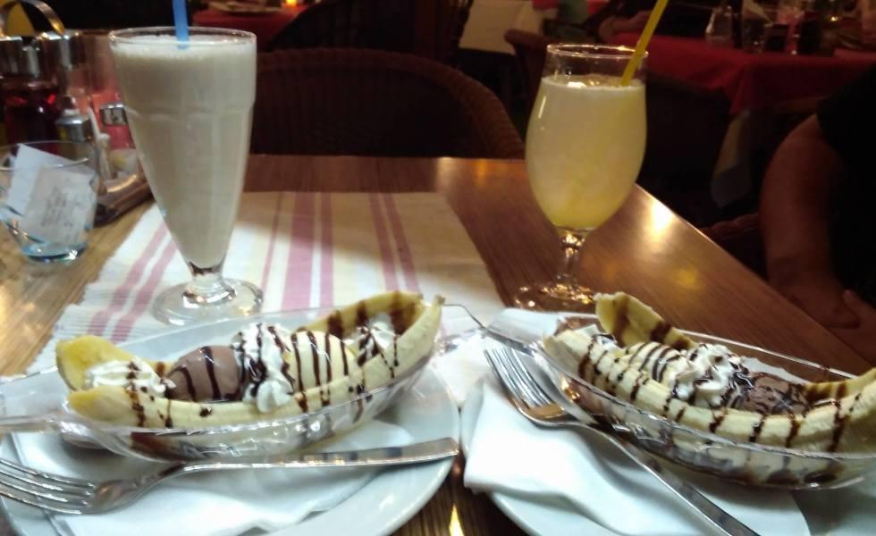 Banana split in Budva