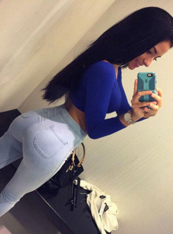 girls-in-tight-jeans-4