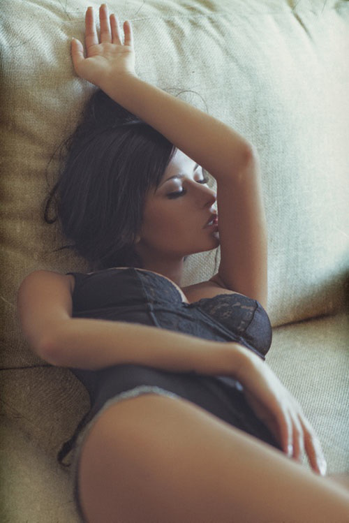 tired-looking-girls-21