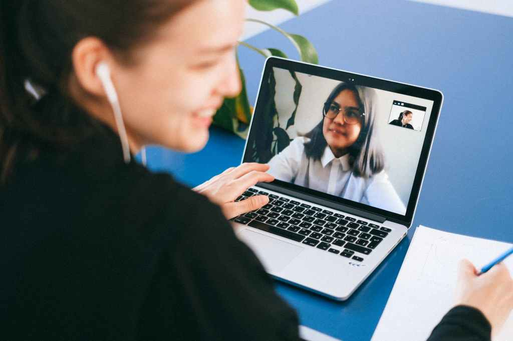 WHY WAVE DURING VIDEO CALLS AN INTERTESTING