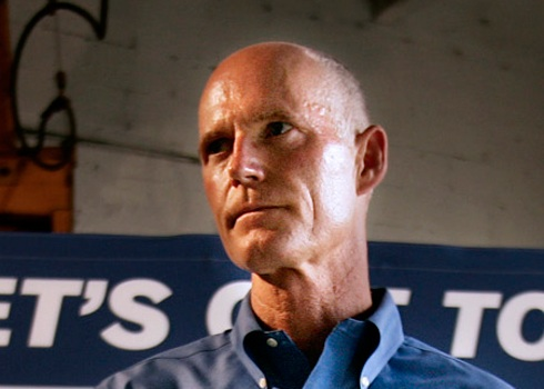Florida Governor Rick Scott Gives Thumbs Up To Public ...