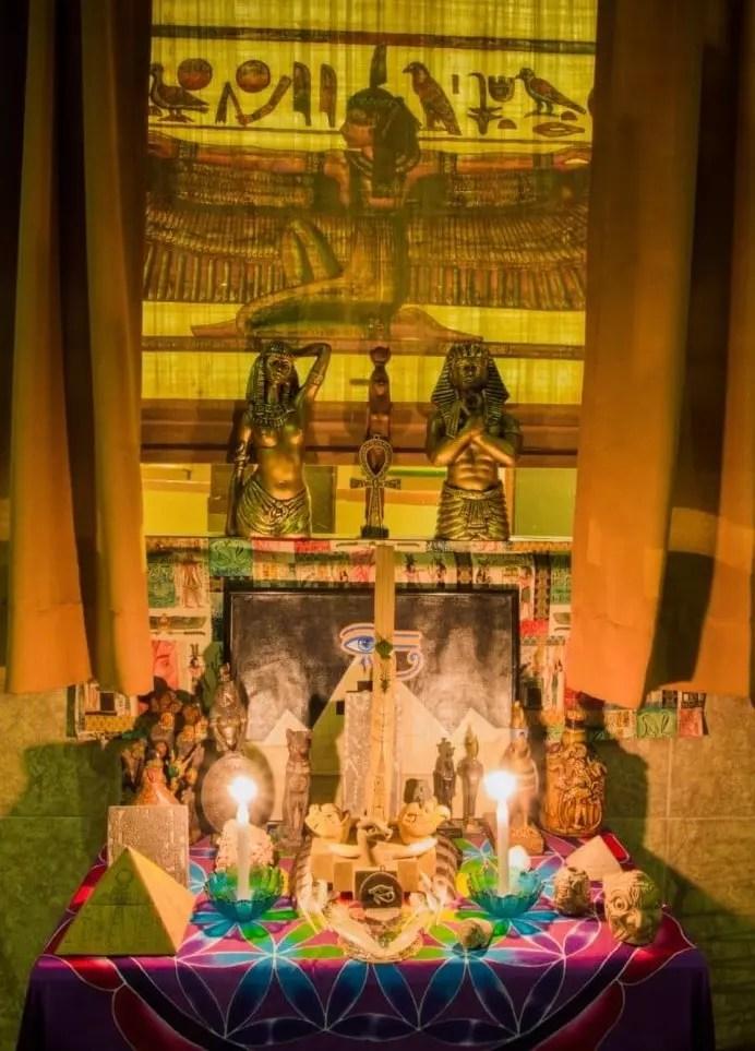 Ayahuasca-Ceremonial-Mesa