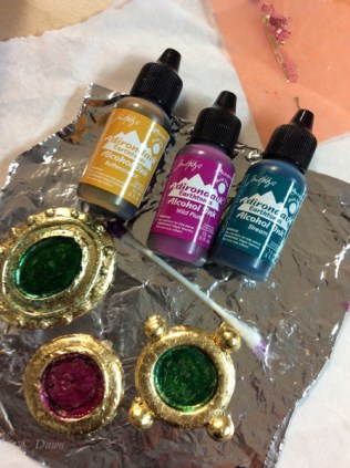 Painting the brooch cavities with alcohol inks