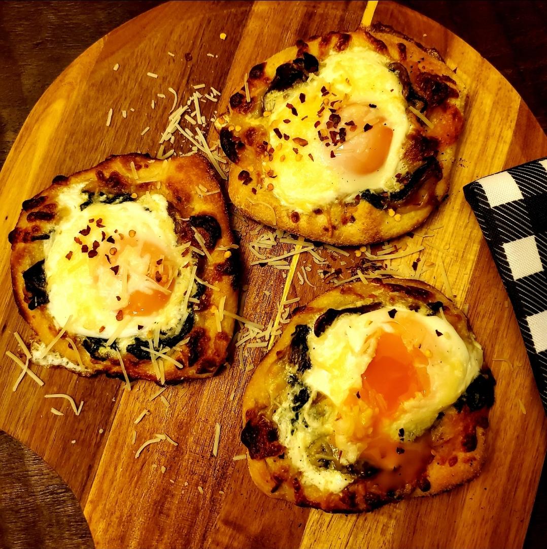 Personal Breakfast Pizza