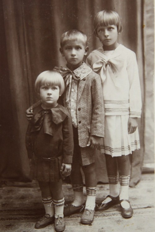Irena, Julian i Galina Müllerowie u fotografa