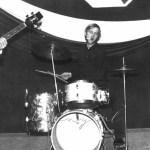 Przy perkusji bohater wspomnień - p. Andrzej Milczarek - z gitarą basową p. Waldemar Wolski.