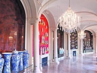 Am kommenden Freitag, dem 4. September starten die Staatlichen Staatlichen Kunstsammlungen eine hochkarätige VeranstaltungsKonzertreihe in ihren Räumen, die faszinierende Einflüsse fremder Kulturen hörbar und begreifbar macht.. In der Porzellansammlung wirdbeispielsweise eine zentrale Szene aus einer Kun-Oper aufgeführt. Foto: Jürgen Lösel