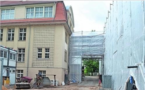Über der neuen Turnhalle der 62. Grundschule ziehen Fachkabinette ein. Foto: Thessa Wolf