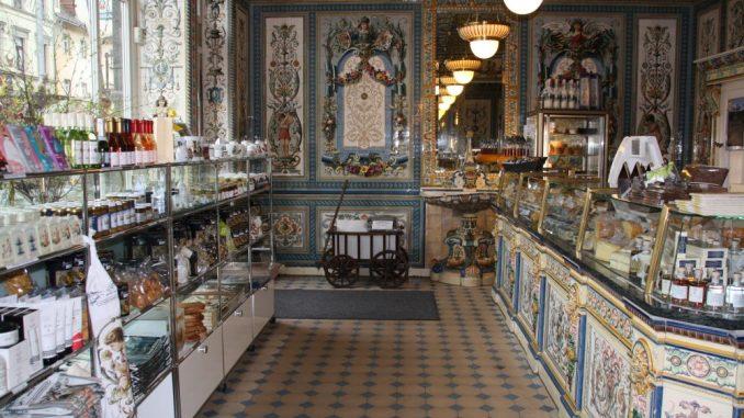 Im schönsten Milchladen der Welt ist alles noch erhalten wie zu Zeiten der Gründung des Geschäftes. Foto: F. Sommer