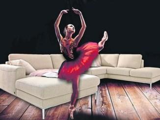 Mit tollen Polstern wird das Wohnzimmer zum Tanzsaal.