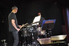 """In der Groove Station staunte man über das Duo """"Schlagfertig"""", die allein mit Perkussion Werke von David Jarvis, Andy Akiho und Paul Sarcich interpretierten. Foto: Una Giesecke"""