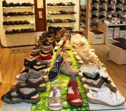 Auch normale Schuhe gehören zum Sortiment bei Koch Aktiv-Schuhe.