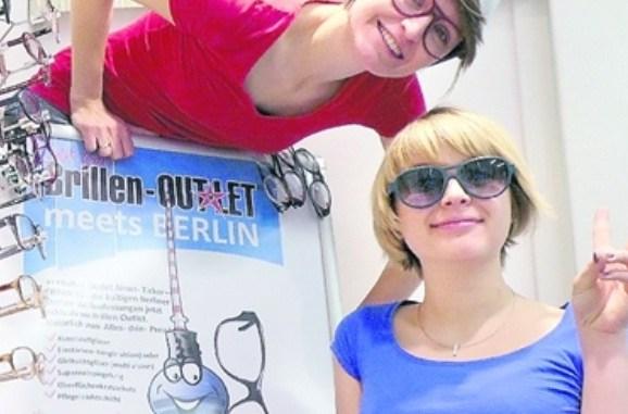 Im BrillenStorlet kann man während der EM um Rabatte kickern. Foto: PR