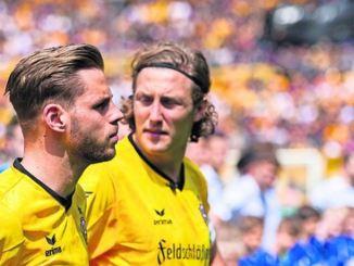 Justin Eilers (li.) kehrt mit Werder Bremen zurück nach Dresden. Ex-Dynamo Michael Hefele spielt jetzt bei Huddersfield Town. Foto: Robert Michael