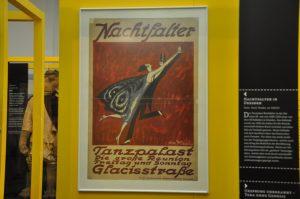 Werbeplakat der Zwanziger für einen der rund 60 Ballsäle Dresdens Foto: Una Giesecke