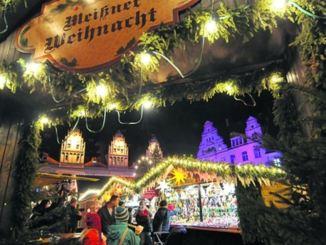 Das Budenstädtchen steht auf dem historischen Marktplatz. Foto: PR