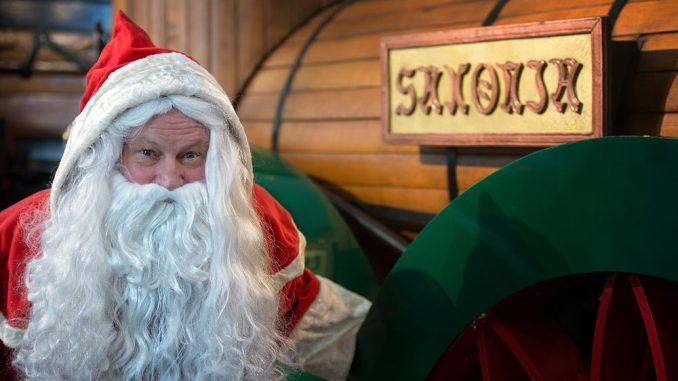 Der Weihnachtsmann freut sich auf die Besucher im Verkehrsmuseum. Foto: PR