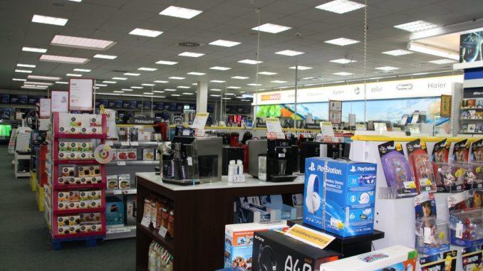 So wie hier werden die Kunden Medimax bald nicht mehr sehen: Hier wird umgestaltet. Foto: F. Sommer