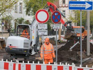 Blick vom Wasaplatz auf die Baustelle: Im Moment ist hier Baustopp. Foto: Steffen Füssel