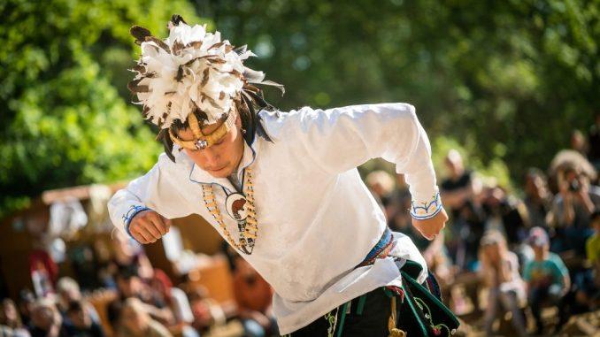 """Die 25. Radebeuler Karl-May-Festtage """"Geschichten, Märchen und Legenden"""" am 08. Mai 2016 im Radebeuler Lößnitzgrund. Foto: André Wirsig"""