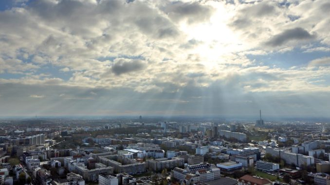 Blick über die Stadt Leipzig. Photo: Jan Woitas/Archiv Foto: Jan Woitas