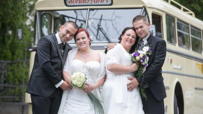 Kristina (29) und Stefan König (29, links) und Patricia (33) und Torsten Hoppe (32) heirateten am 17.07.2017. Foto: Steffen Füssel