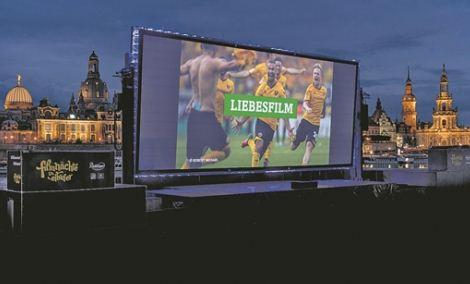 Filme schauen und Konzerten lauschen vor der historischen Kulisse der Dresdner Altstadt. . Foto: Robert Michael