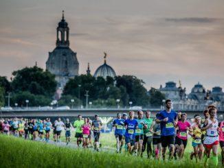 Auf den Nachtlauf, der das Stadtfest eröffnet, bereitet sich die Dresdner Laufszene am Donnerstag Abend schon mal vor. Foto: PR