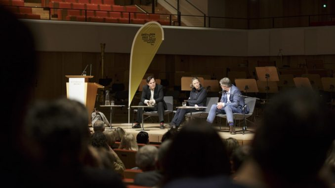 """Das Thema der Diskussion lautete """"Streitbar! Wie frei sind wir mit unseren Meinungen?"""" (Foto: Klaus Gigga)"""