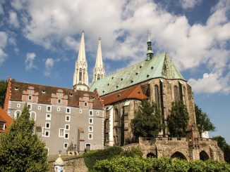 Die Peterskirche – hinter die Fassaden blickt ein neues Buch. Foto: Pixabay