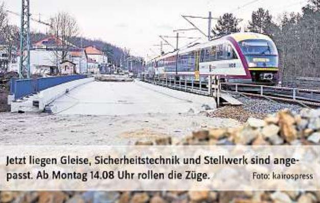 Züge rollen über neue Nesselgrundbrücke