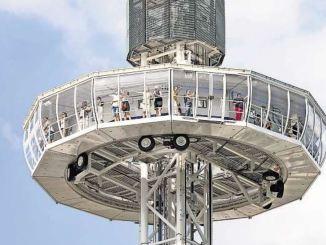 Ein Erlebnis: Mit der Gondel in 72 Meter Höhe über der Stadt schweben und die Aussicht genießen - Stadtfest Dresden 2018. (Foto: (C) Skyliner GmbH)