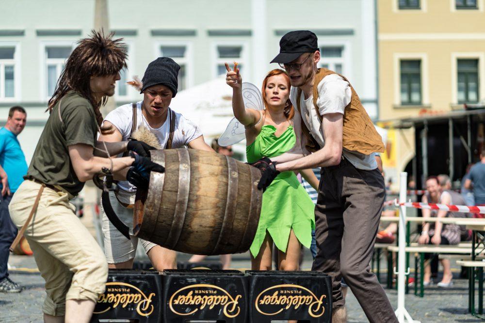 Der Siegerpreis für das Frauen- und Mixteam sind vier Tickets für das ausverkaufte Kaisermania-Konzert bei den Filmnächten am Elbufer in Dresden!