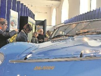 Der Ost-Rennschlitten Melkus RS 1000, einziger straßenzugelassener Sportwagen der DDR, war in Bonn der Hingucker in der Sonderschau, die nun im Verkehrsmuseum zu Gast ist. Foto: Una Giesecke