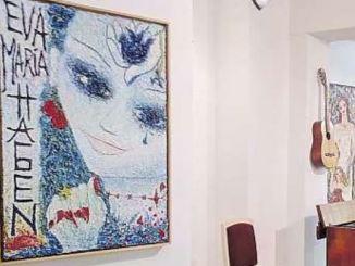 Blick auf das Selbstbildnis – in Öl auf Spanplatte, 1987 –in der Galerie Holger John Foto: Una Giesecke