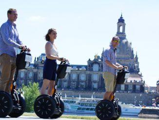 Flink auf den Segways die Stadt erkunden, das macht Spaß! Foto: PR