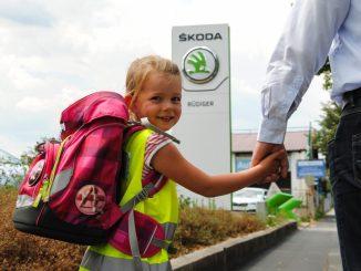 Diese Westen sind nicht nur stylish, sie schützen Schulkinder vor allem im Straßenverkehr. Foto: PR