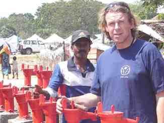 Sven Seifert (56, rechts) engagierte sich bei der Dresdner Hilfsorganisation Arche Nova. Foto: Arche Nova