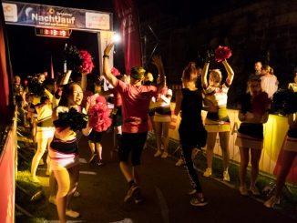 Der Zieleinlauf beim Nachtlauf. Foto: PR