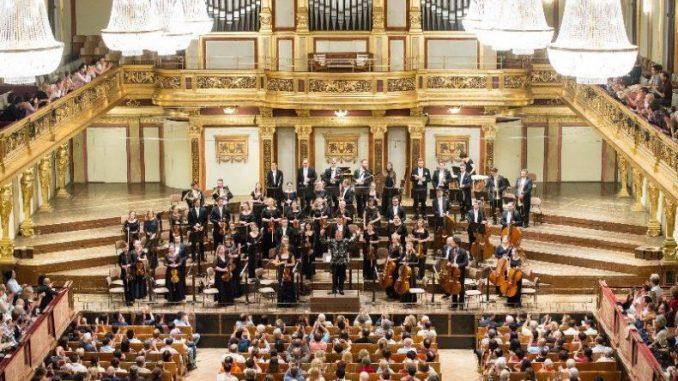 """Polish Art Philharmonic"" geben am 2. Oktober im Kulturpalast ein großes Konzert."