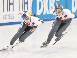 Shorttrack-EM/Trainingseinheit der deutschen Nationalmannschaft, Anna Seidel und Bianca Walter (re