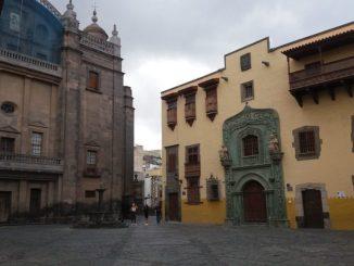 Das Kolumbus Haus, gleich neben der Kathedrale St. Ana Foto: Alberto Albus