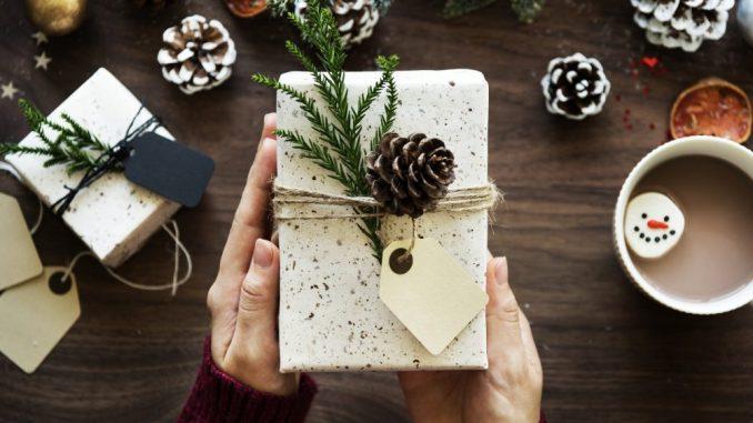 Eine kleine Freude zu Weihnachten: Das geht in Zusammenarbeit mit der Staatsoperette. Foto: Pixabay